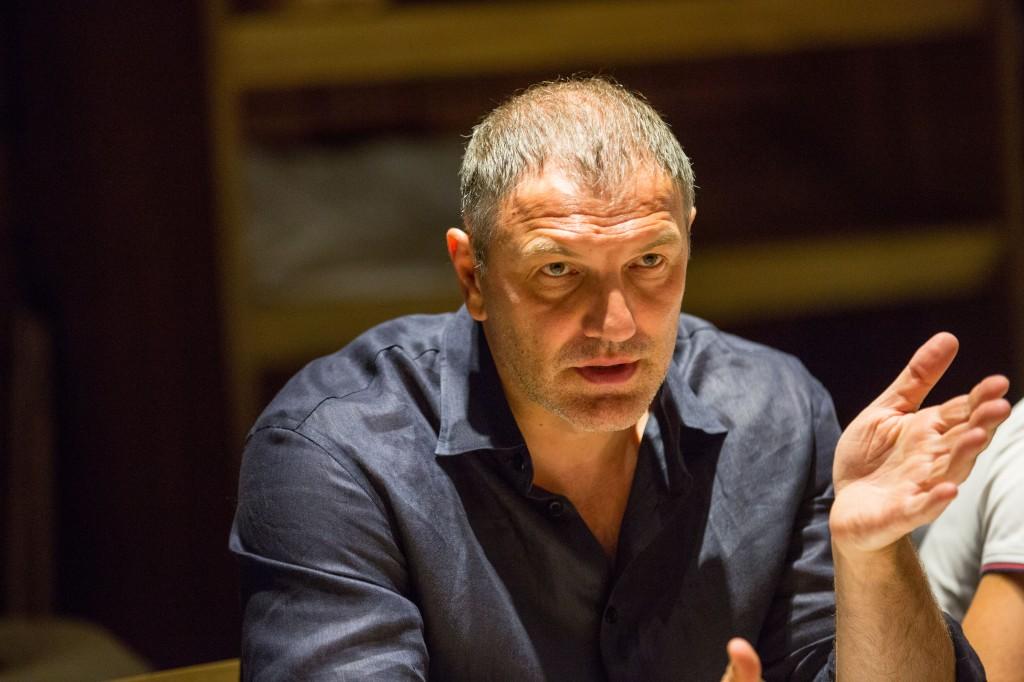 Президент Столыпин Клуба Александр Крылов ведет заседание Совета Клуб