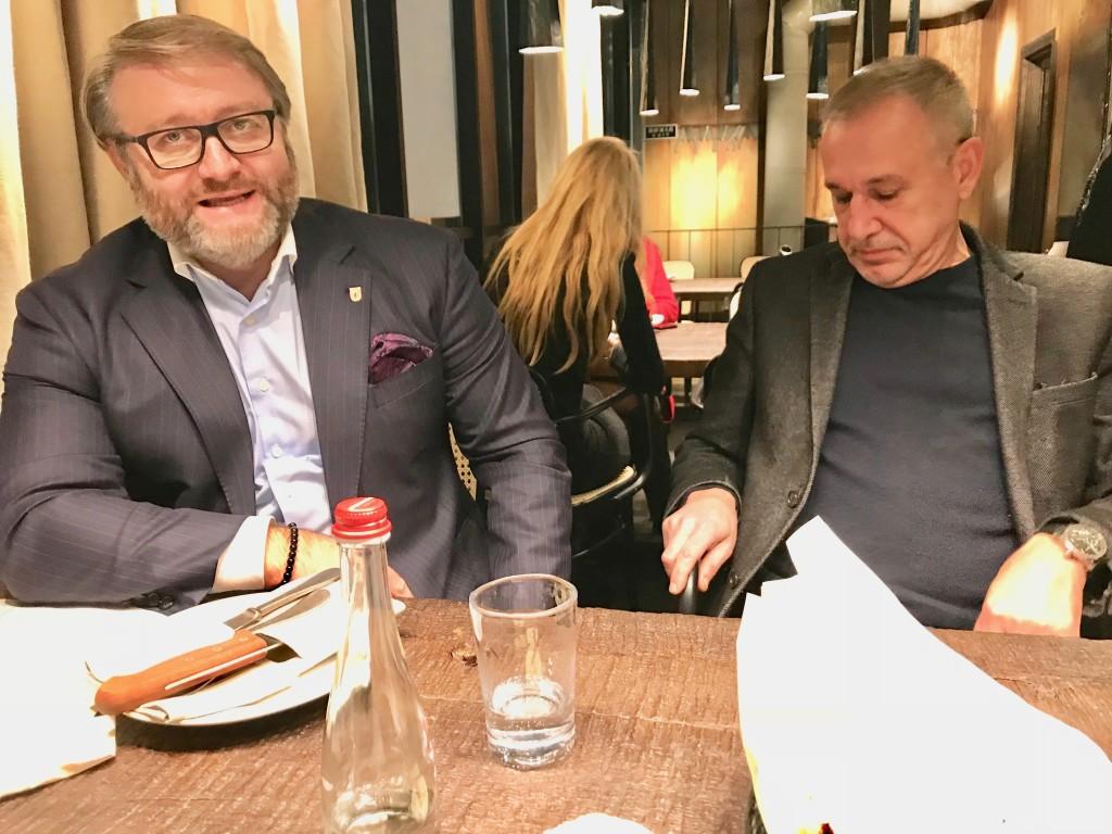 Президент Столыпин Клуба Валентин Загария (слева) и Старший Член Клуба Сами Ш-Али на ноябрськом регулярном заседании Столыпин Клуба